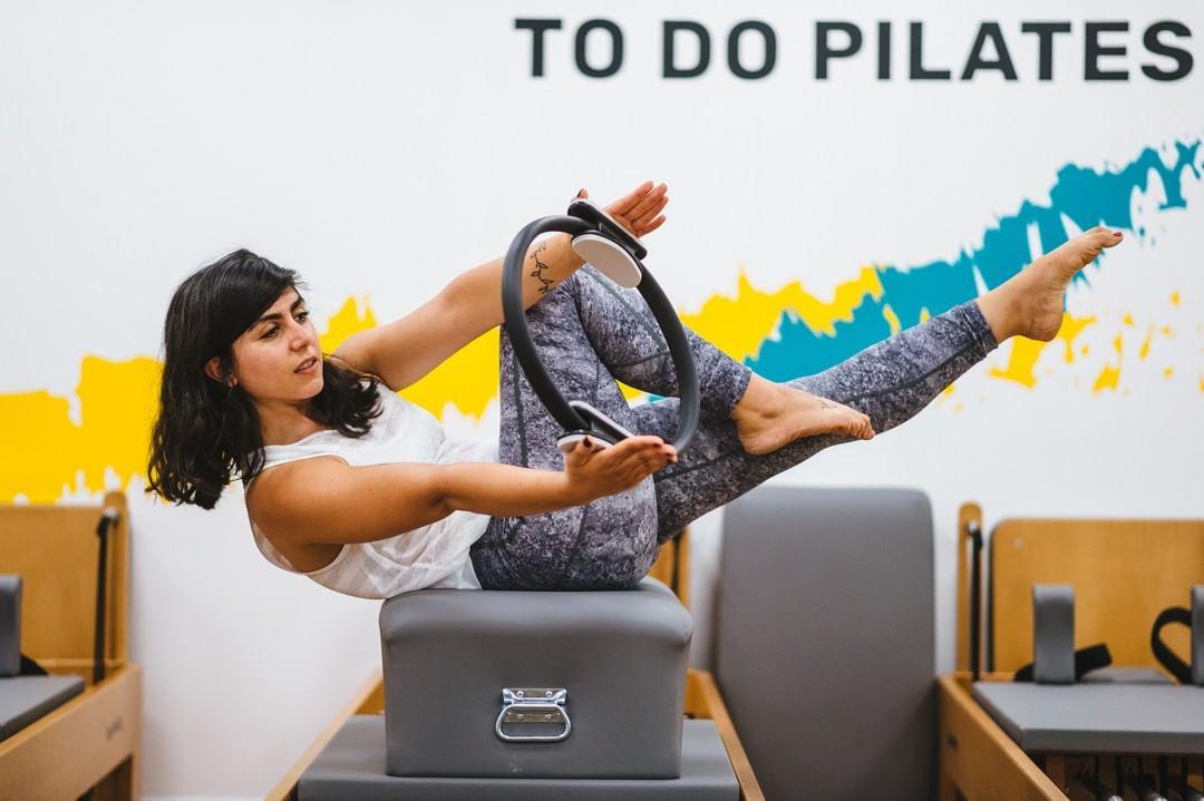41550721 2024335040949860 7258732019600073210 n - ¿Qué se trabaja en el método pilates?