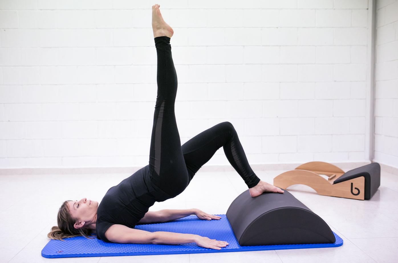 Posturas y posiciones de pilates más practicadas Blog - Máquinas Pilates: reformer, accesorios y material